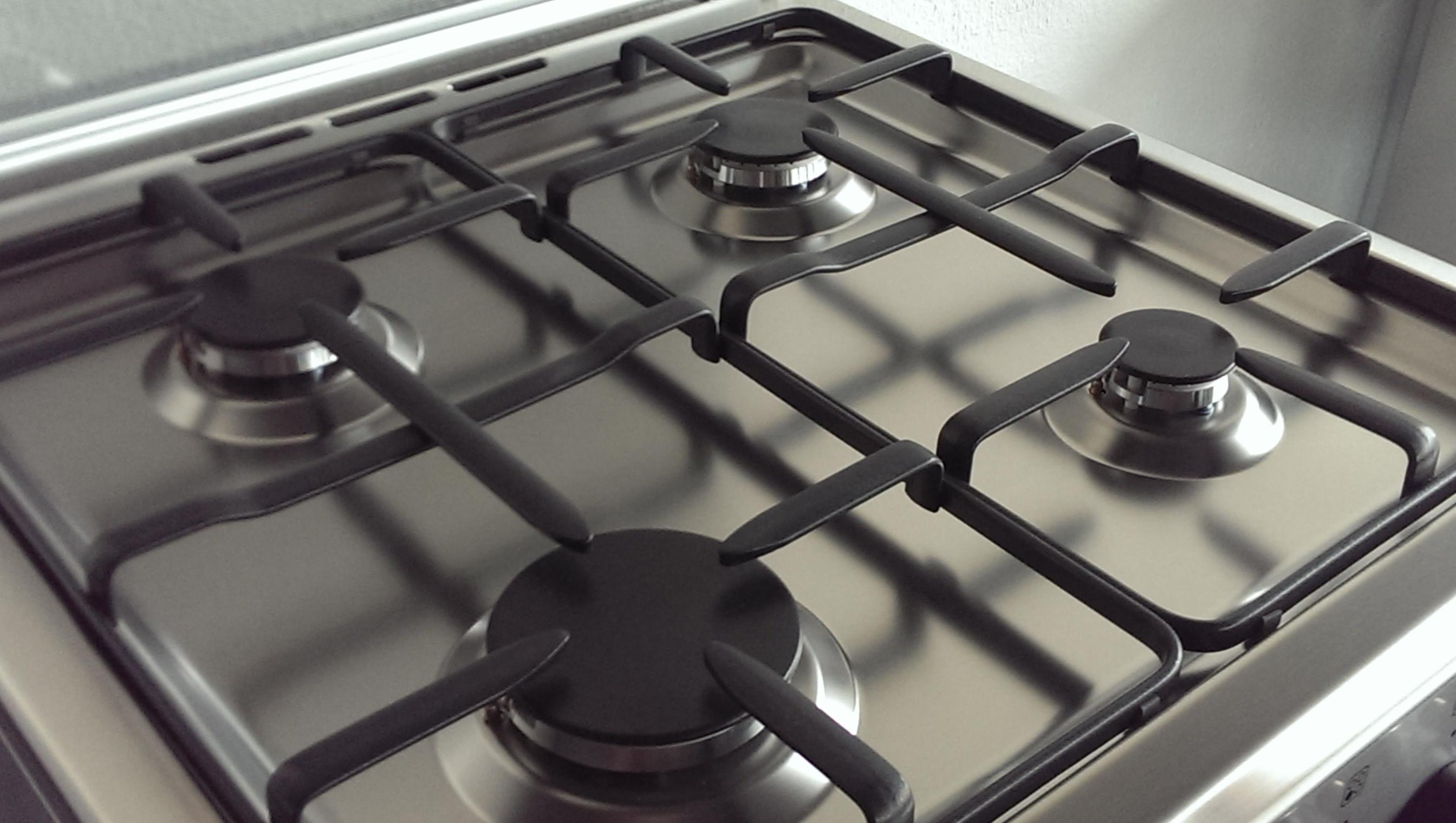 lagermania tu64071cx gasherd mit gas umluft backofen. Black Bedroom Furniture Sets. Home Design Ideas